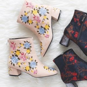 Top Shop Nude Floral Embroidered Boots (Size 8)